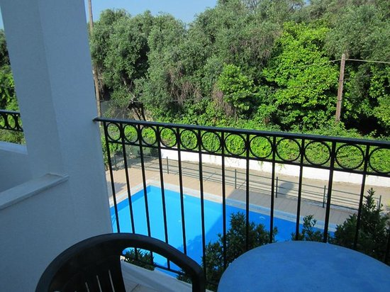 Antigoni Apartments: Balcony view