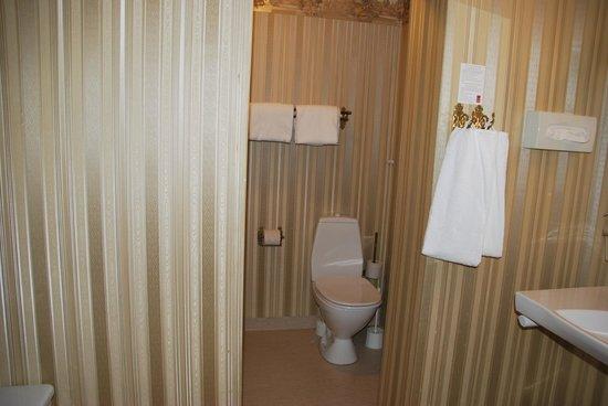Milling Hotel Saxildhus, Kolding: Bath in Triple Room