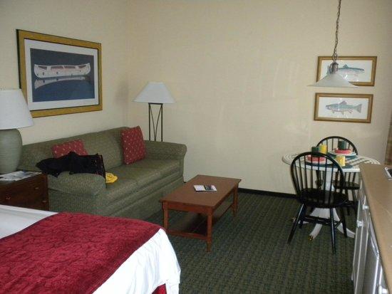 Marriott's Willow Ridge Lodge: Sofa and eating area
