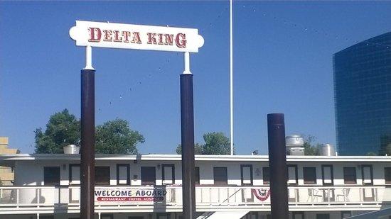 Delta King: Entrance sign