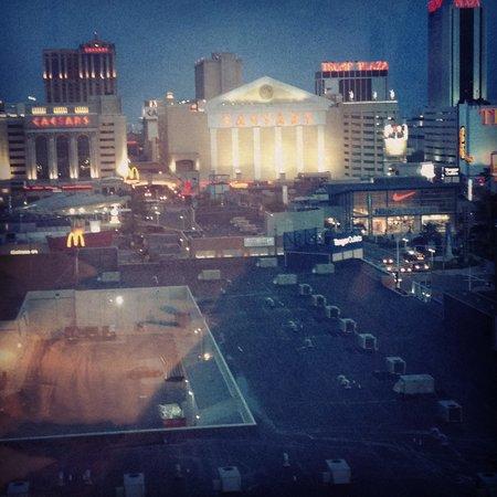 Sheraton Atlantic City Convention Center Hotel: Night view
