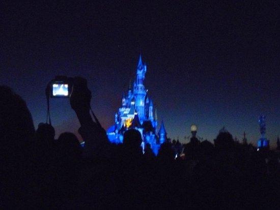 Walt Disney Studios Park: Show nocturno de luces y pirotecnia