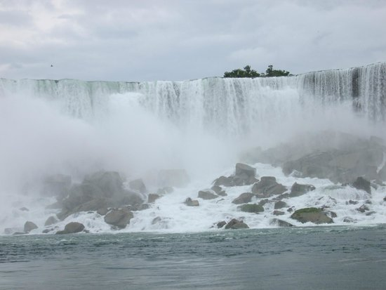 Maid of the Mist: The power and majesty of this awesome wonder!