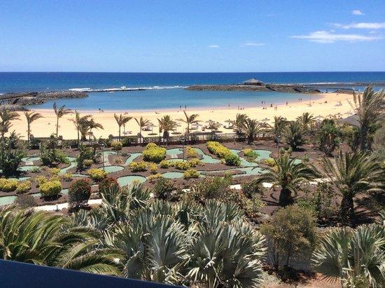 Sheraton Fuerteventura Beach, Golf & Spa Resort: vista desde terraza de habitaciòn