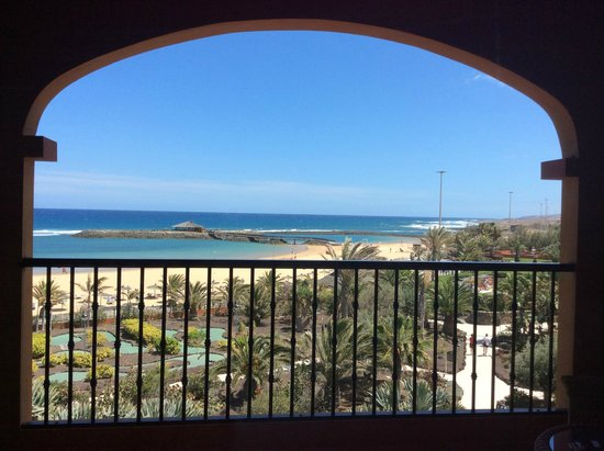 Sheraton Fuerteventura Beach, Golf & Spa Resort: vista desde la terraza de la habitaciòn