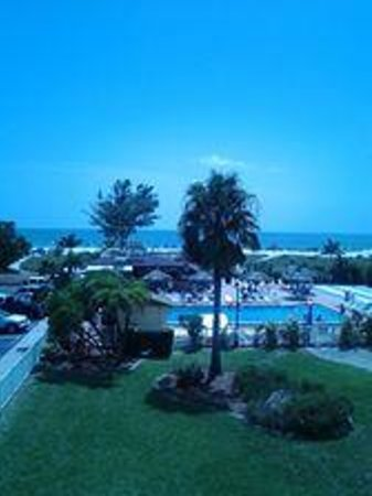 Howard Johnson Resort Hotel - ST. Pete Beach FL: View from our room
