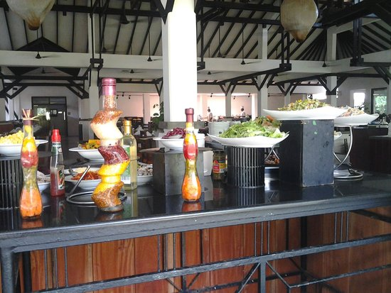 Club Hotel Dolphin : Buffet lounge