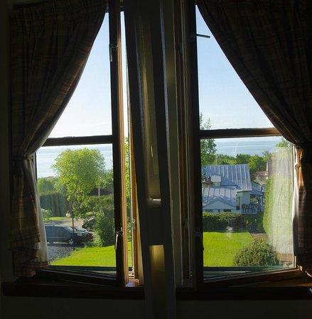 Auberge des Peupliers: vue de notre chambre - pas de balcon