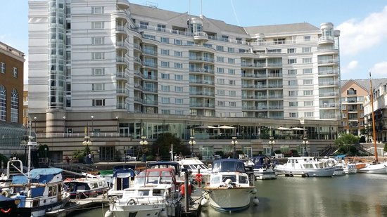 The Chelsea Harbour Hotel: marina facede