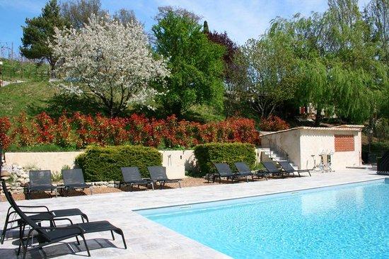Le Mas de Fontefiguieres : Autour de la piscine, la salle de fitness, le sauna et le spa...