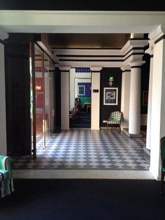 Room Mate Luca: Entryway