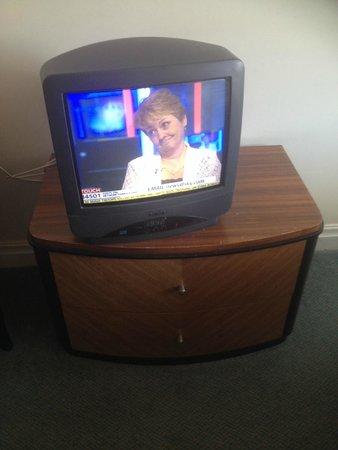 Britannia Ashley Hotel: Dated TV
