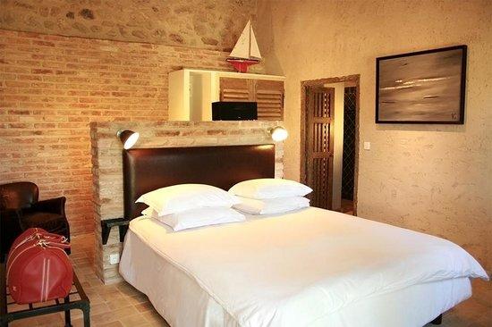 Le Mas de Fontefiguieres : Les chambres et suites disposent toutes de leur terrasse avec mobilier