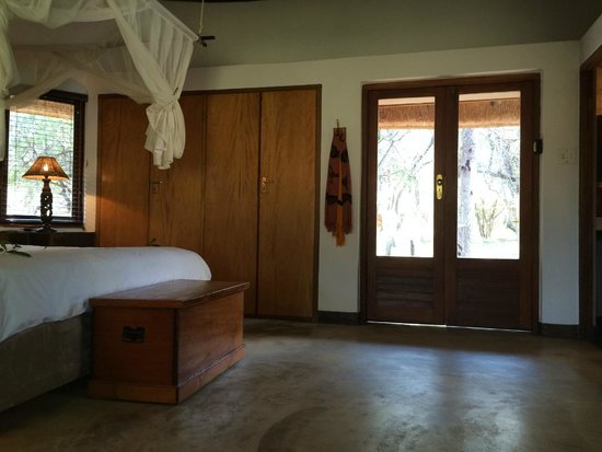 Serondella Game Lodge : Spacious and comfortable room