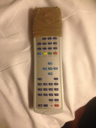 Britannia Ashley Hotel: Broken remote