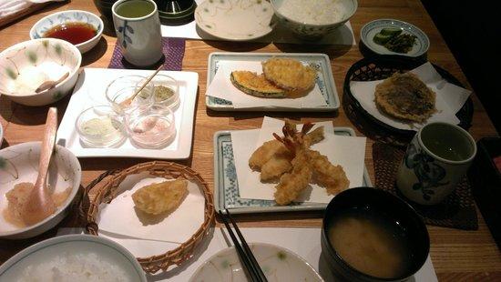 Shinjuku Tsunahachi Takashimaya ten: Delicious spread - more was on its way!