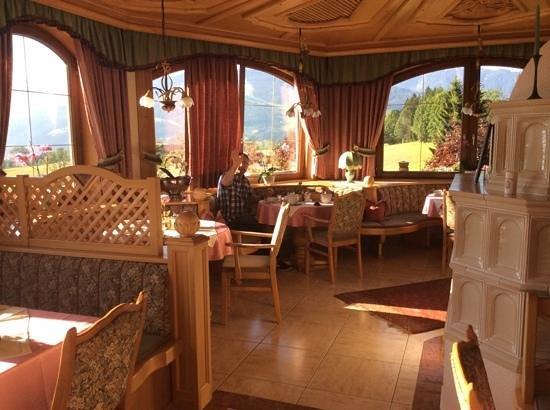 Hotel Restaurant Ennstalerhof : Morning view of the restaurent 2
