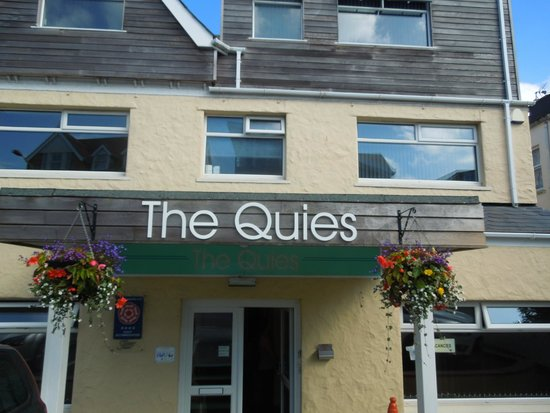 The Quies: The hotel entrance