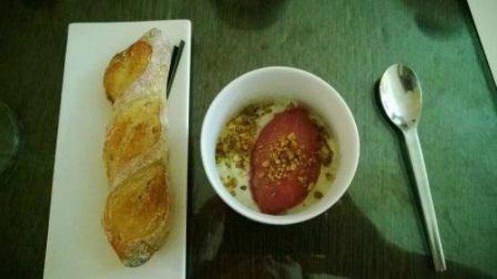 Restaurant Origine : Cauliflower soup with grape surbet