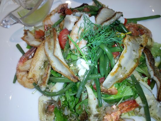 Au Pied de Cochon : Filet of perch and jumbo shrimp salad