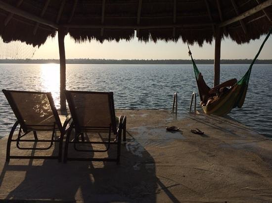 Bacalar Lagoon Resort: bacalar lagoon with hammock