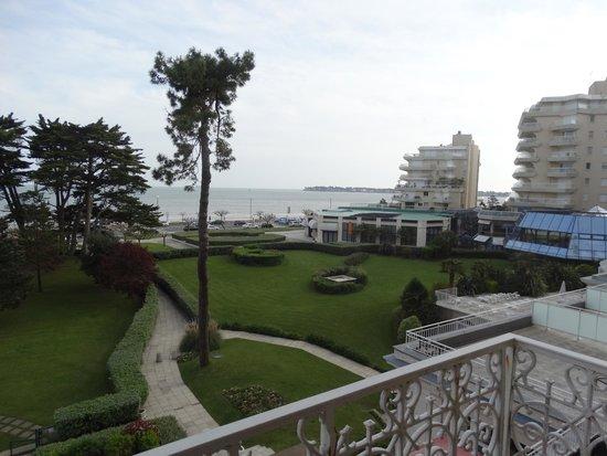 Hôtel Barrière Le Royal La Baule : vue mer