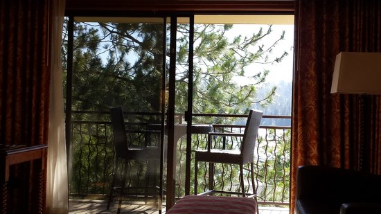 Lake Arrowhead Resort and Spa, Autograph Collection: Nice lake view