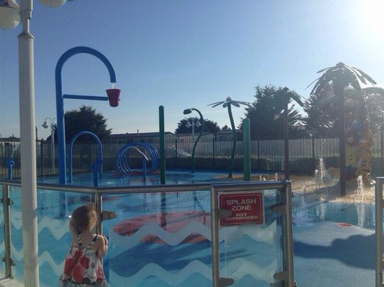 Seashore Holiday Park - Haven: Outside water park - note this is unsupervised which i dont think it right!