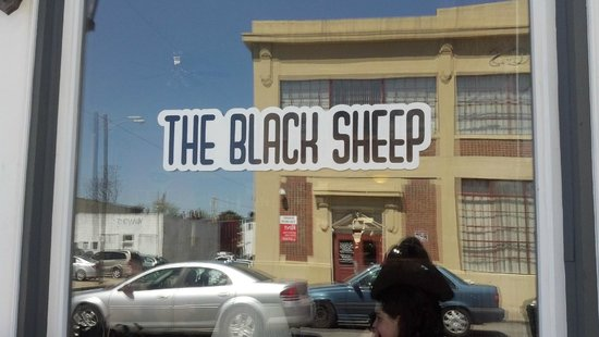 The Black Sheep: Unassuming sign - drive slowly or you just might miss it!