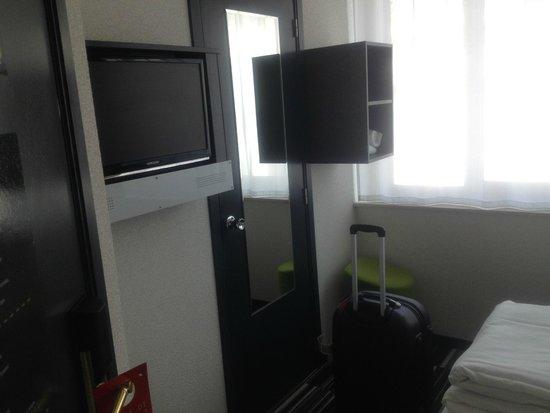 Maxhotel: Single Room