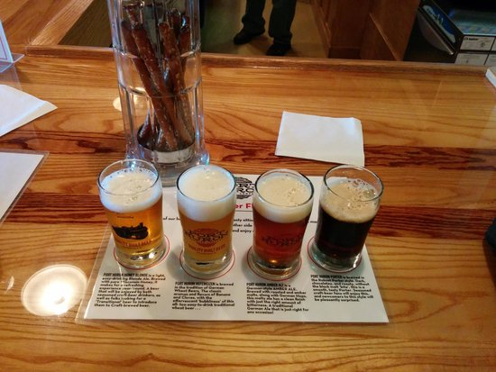 Port Huron Brewing Company: Port Huron Brewing's 4 beer tasting.