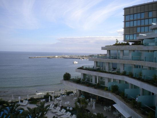 Hotel Cascais Miragem : Atlantic Ocean from 6th-floor public balcony area