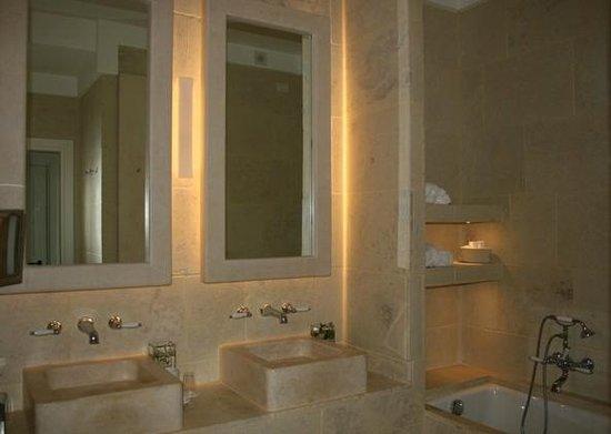 Borgo Egnazia : ванная