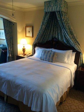 Boca Raton Resort, A Waldorf Astoria Resort: nice bed