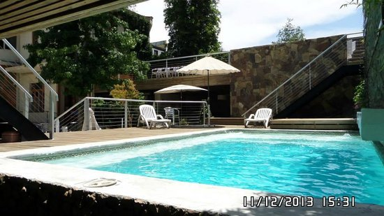 Happy House Hostel: Piscina