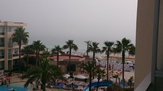 TUI FAMILY LIFE Alcudia Pins: view on a cloudy day...