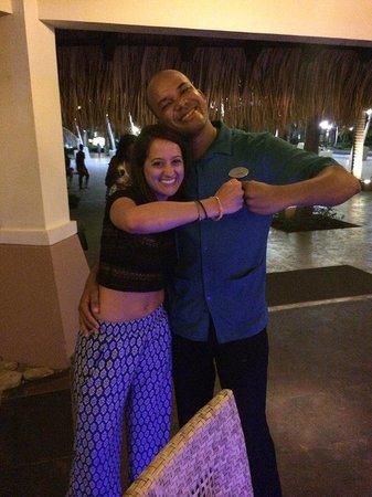 Memories Splash Punta Cana : me with one of my favorite bartenders, Carlos. He was super!