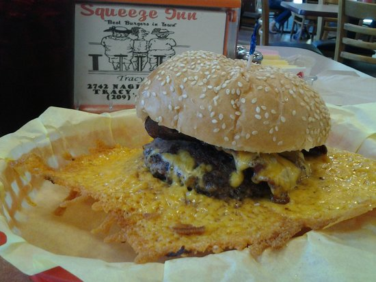 The Squeeze Inn: Bacon Cheese Burger