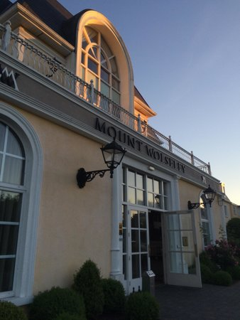 Mount Wolseley Hotel, Spa & Golf Resort: The entrance