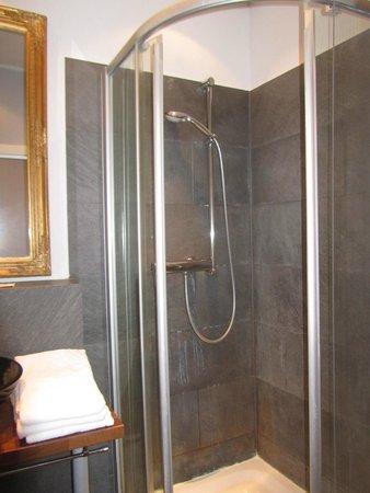 Hotel Le 21eme : Baño