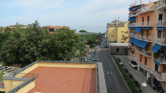 Hotel Capri : looking away from town cetre