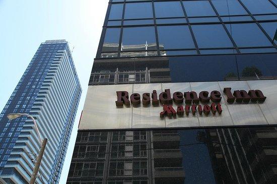 Residence Inn Toronto Downtown/Entertainment District: Exterior