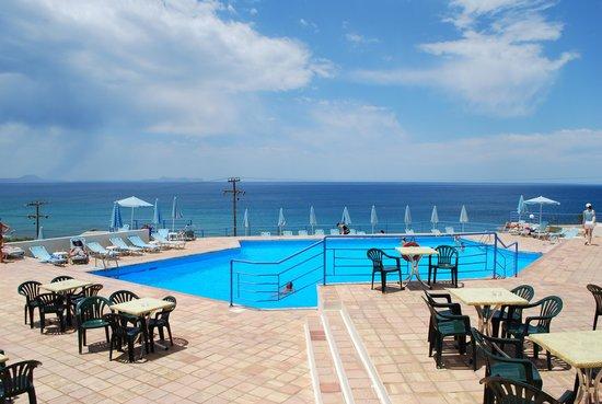 Scaleta Beach Hotel: Бассейн