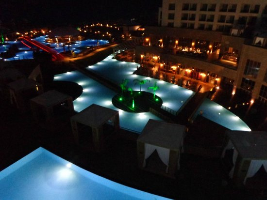 Hotel Riu Kaya Palazzo : ночью