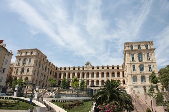 InterContinental Marseille - Hotel Dieu : Front face of building.