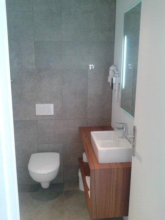 Hotel De Rouen : Salle de bain