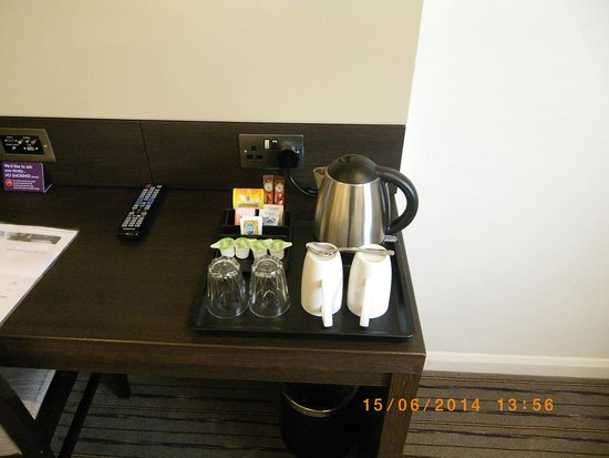 Premier Inn Southampton North Hotel: Tea/coffee