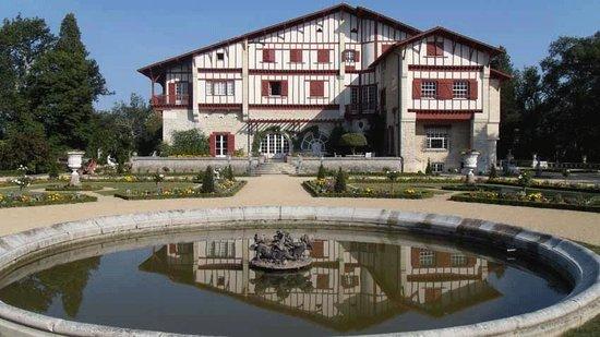 Villa Arnaga : La maison côté Est.