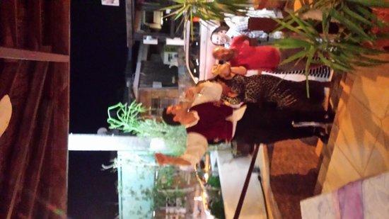 Windmill Restaurant: let's dance !!