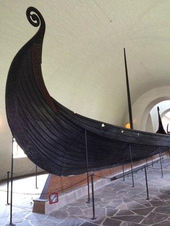 Wikingerschiffsmuseum: ship